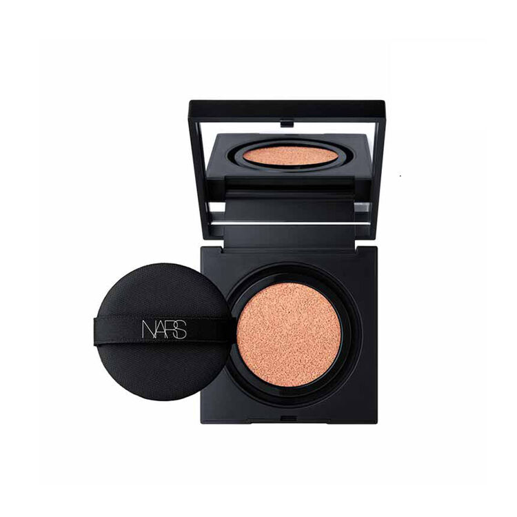 Natural Radiant Longwear Cushion Foundation SPF 50, Mont Blanc